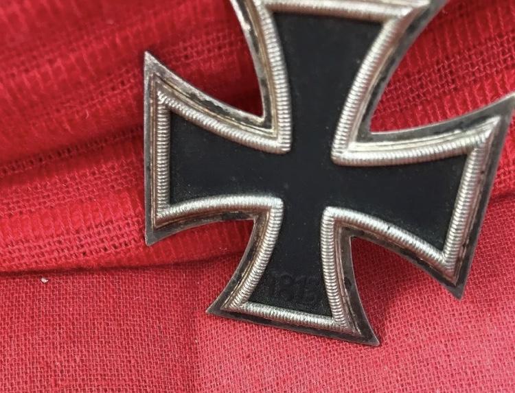 insignes allemands et ek2 Img_4611