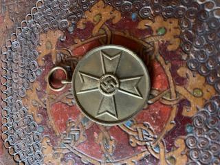 Médailles, insignes WW1 / WW2 à identifier / Merci d'avance 01a1a710