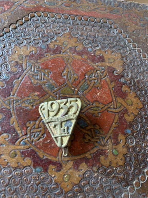 Médailles, insignes WW1 / WW2 à identifier / Merci d'avance 18730f10
