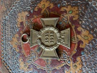 Médailles, insignes WW1 / WW2 à identifier / Merci d'avance 74e60410
