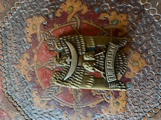 Médailles, insignes WW1 / WW2 à identifier / Merci d'avance Bbe32a10