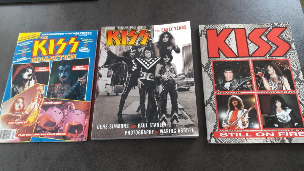 Vente de livres et magazines dédiés à KISS 20200310