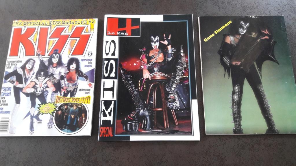 Vente de livres et magazines dédiés à KISS 20200311