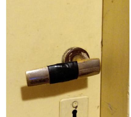 Adaptador para abrir puertas con el brazo 3