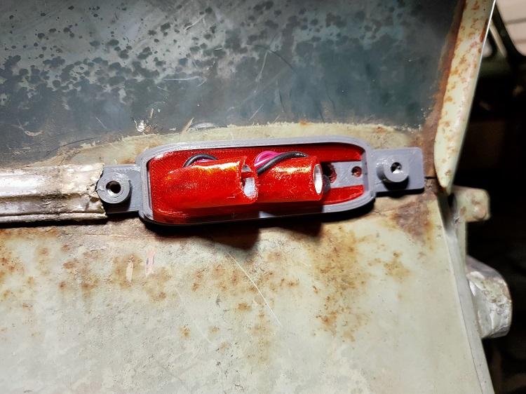 Refabrication d'une platine de feu latéral (clignotant et feu position) Img20227