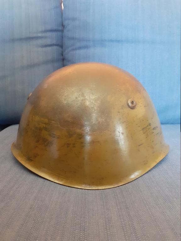 Identification insigne casque italien ww2  20210460