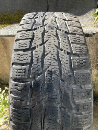 (VENDUS)VENTE 4 pneus neiges NOKIAN Quasi neufs + Jantes Tole T5  Img_2014
