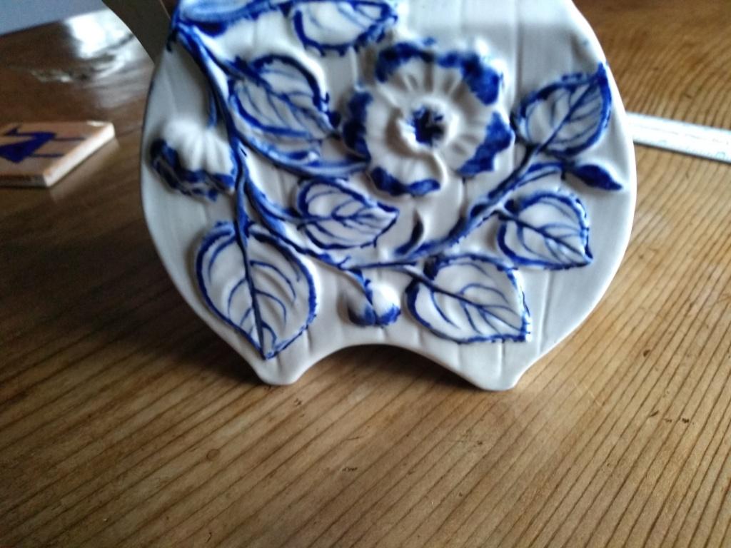mystery porcelain vase Img_2012