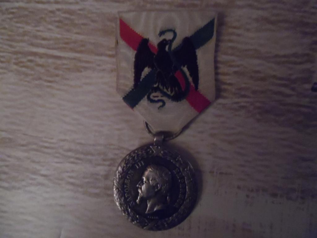 Groupe de médailles et décorations françaises ( Guerre 1870-1871 ) Sam_5315