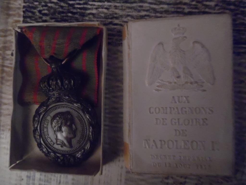 Groupe de médailles et décorations françaises ( Guerre 1870-1871 ) Sam_5316