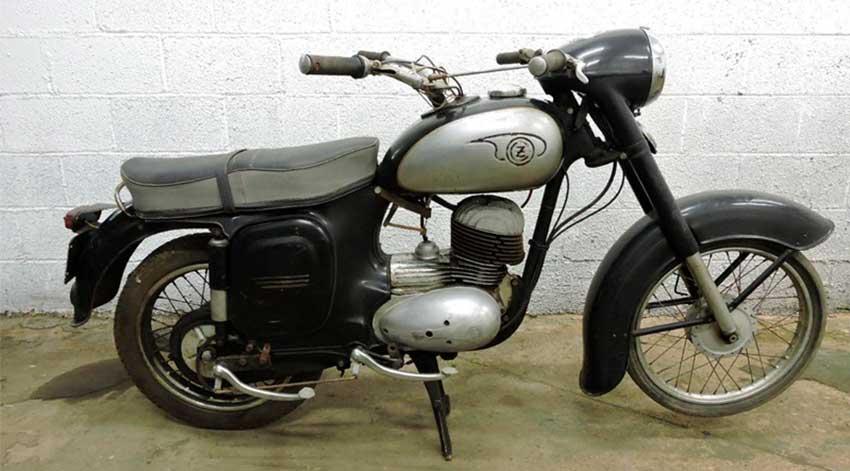 CZ moto école Portad10
