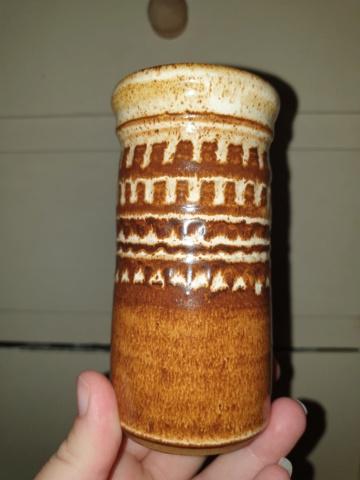 Another brown pot, BB mark - Susan Bennett 20210711