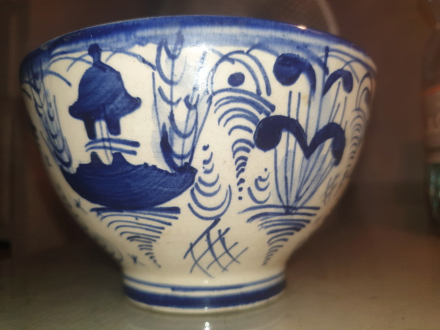 Hand painted blue and white bowl - possibly Dutch Delft  20210718