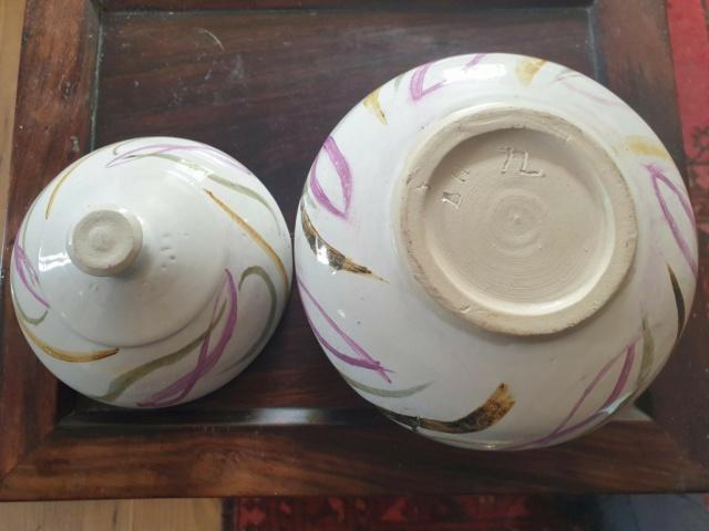 Ceramic lidded Pot, LH mark '72 Pot_312