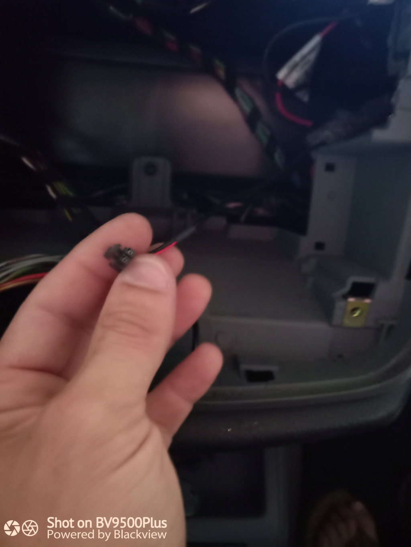 Problème branchement autoradio  Img_2013
