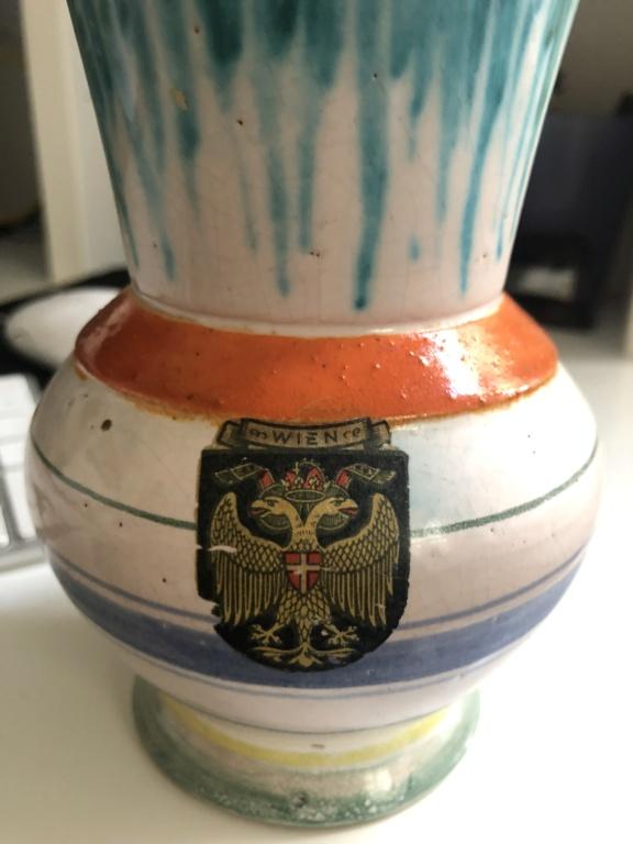 Austrian vase - Wien sticker  D2d19d10