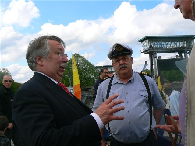 photos de la réunion des anciens à Ittre le 1er mai 2010 - Page 8 Getatt10