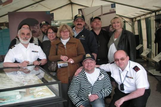 photos de la réunion des anciens à Ittre le 1er mai 2010 - Page 8 Image039