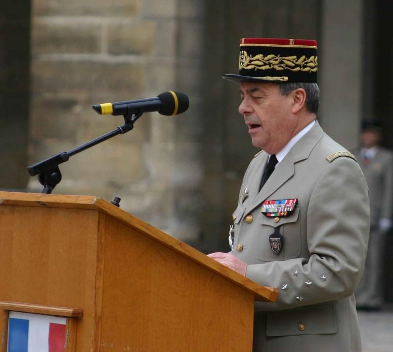 DEODAT du PUY-MONTBRUN colonel - Cérémonie INVALIDES 27 févier 2009 10-rad10