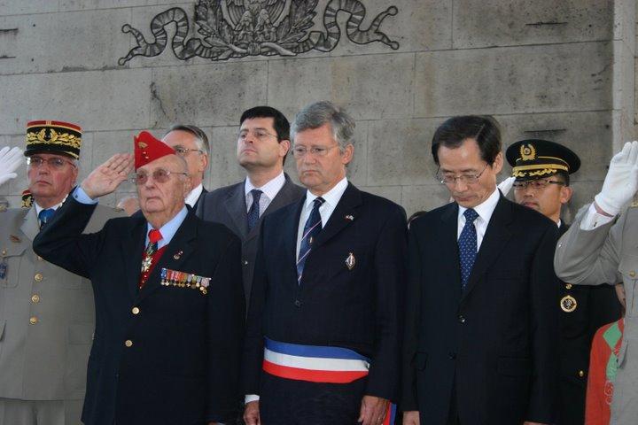 """AG des anciens du Bataillon français de Corée et Cérémonie à l'Etoile - """"352 photos"""" 12-son10"""