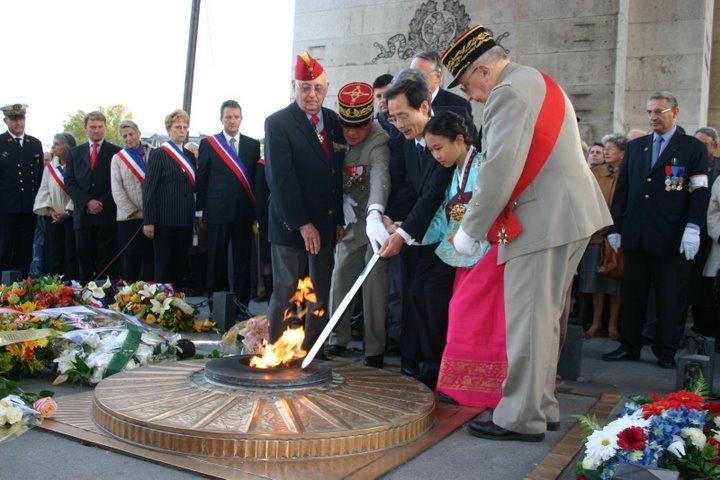 """AG des anciens du Bataillon français de Corée et Cérémonie à l'Etoile - """"352 photos"""" 13-fla10"""