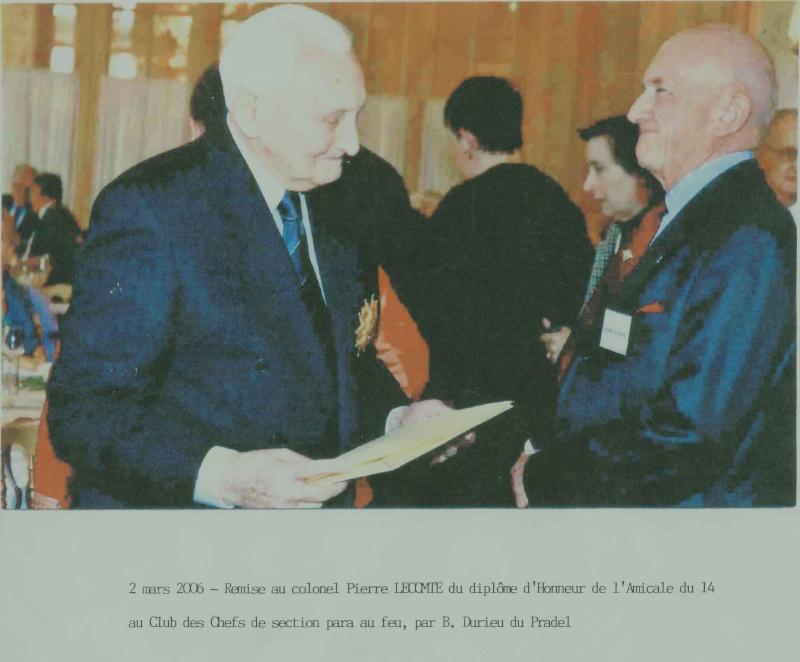 14 e RCP - Remise au colonel LECOMTE un diplôme d'honneur par B.Durieu du Pradel - 2 mars 2006 14e_rc17