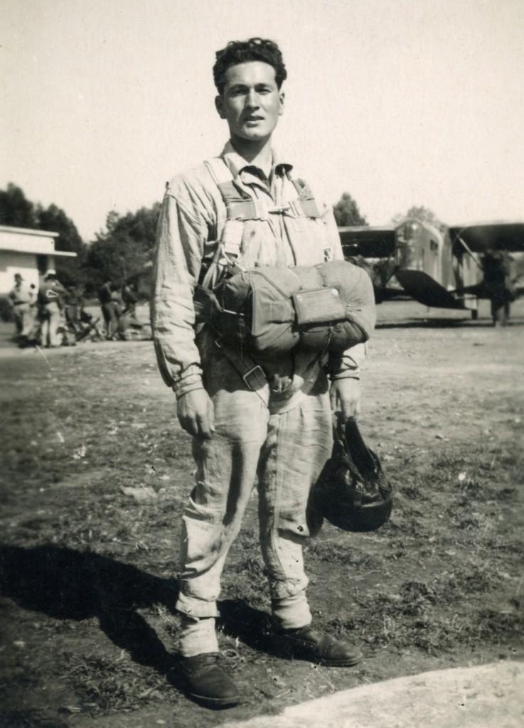 Nos paras du 1er RCP à FEZ avril-mai 1943 devant un bon vieux POTEZ Fez_ma14