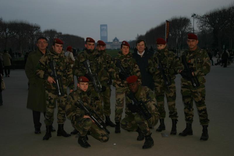 """1er RCP - 5e compagnie de réserve - """"vigipirate"""" à PARIS janvier 2009 Img_1610"""