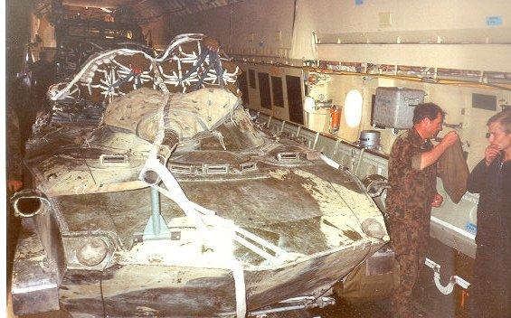 """Il y a vingt ans nous étions déjà dans cet Illiouchyne 76 (quadri-réacteur) pour larguer un blindé et """"sortir par la portière"""". Quelle claque !... Ru-lar10"""
