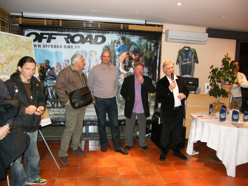 Présentation du Off-Raod 2010 ainsi que la présentation du maillot 2010 Prasen11