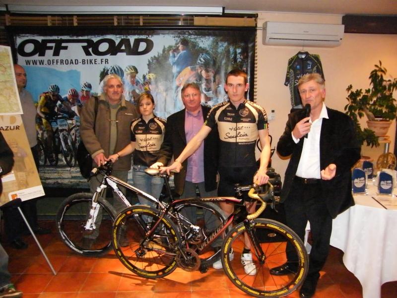 Présentation du Off-Raod 2010 ainsi que la présentation du maillot 2010 Prasen12