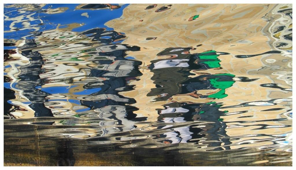 Les reflets sur l'eau Img_2513