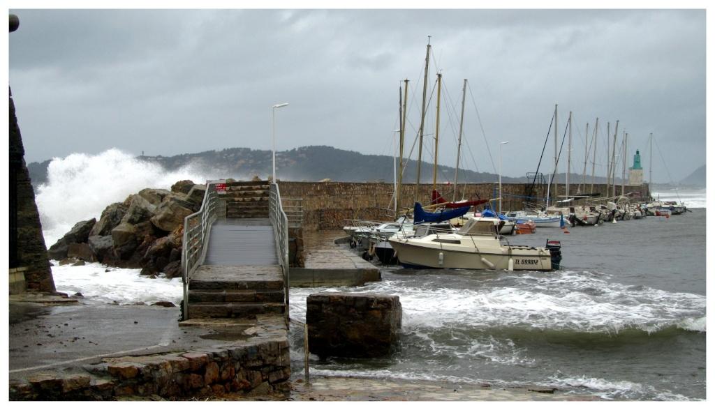 Tempête en Méditerranée Tempet15