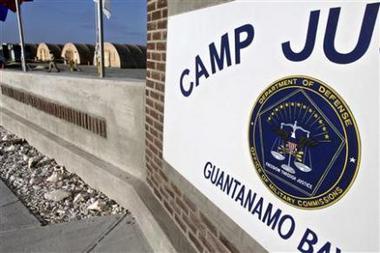 Guantanamo: Obama ordonne le gel des procédures Guanta10