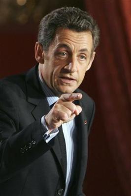 2009, une année décisive, estime Sarkozy Nicola24