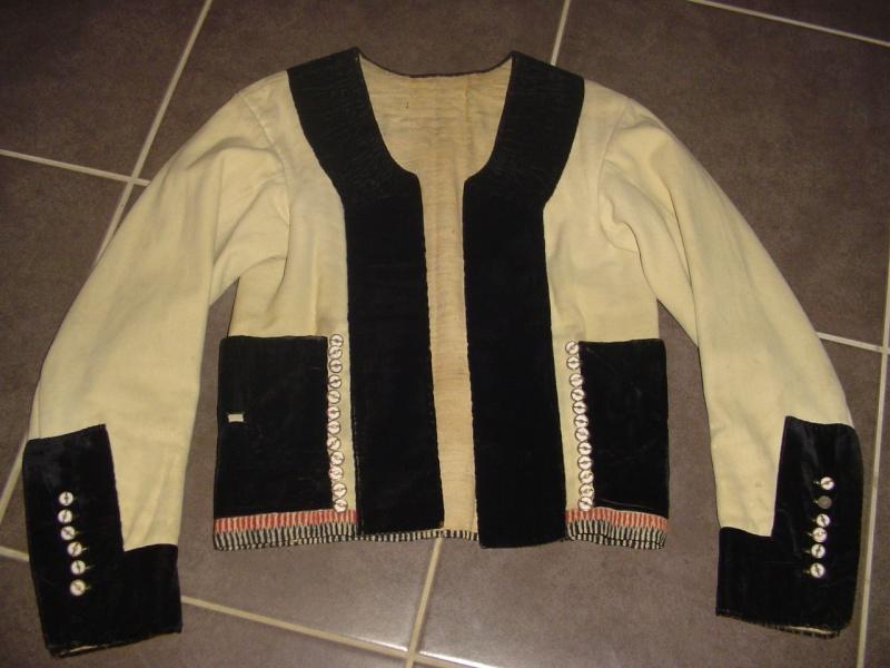 Dde d'info sur les costumes du Pays de Baud Dsc00811