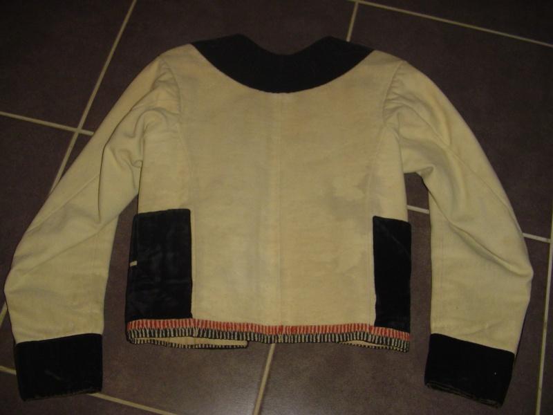 Dde d'info sur les costumes du Pays de Baud Dsc00812