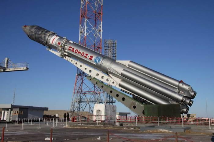 Lancement Proton-M / Intelsat 16 - 12 février 2010 2010_010