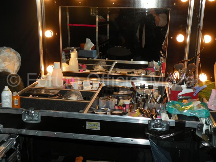 Maquillage, Jocelyn Lemery - Page 3 Dscn0212