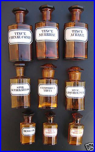 Les pots de pharmacie A41e_110