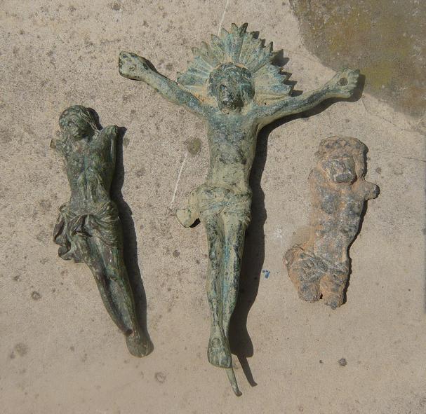 Cristos con cruz perdida Cristo10