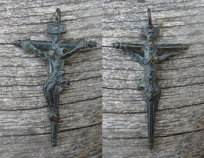 Otra cruz bifaz (S-XVII / XVIII) Cruz_b10