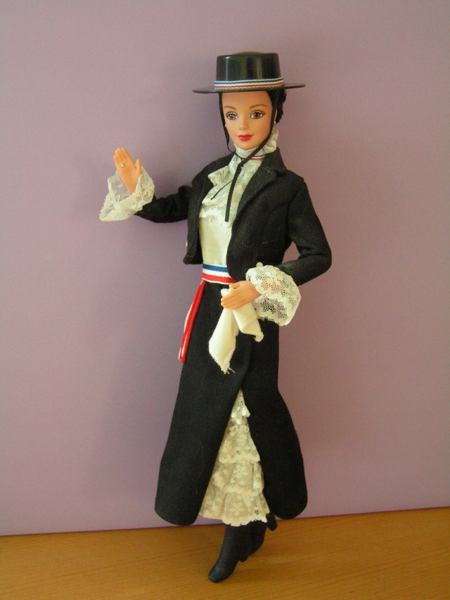 DOLLS OF THE WORLD Pict4315