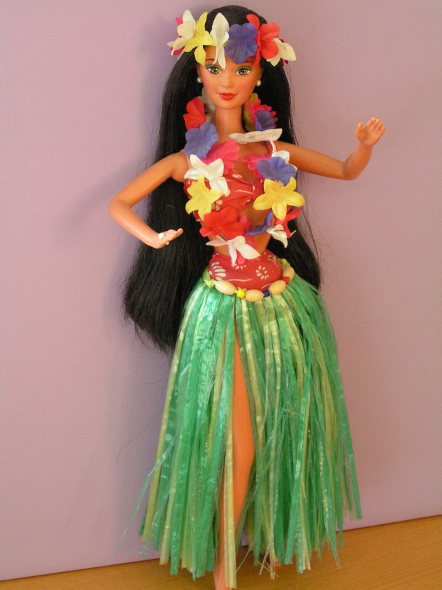 DOLLS OF THE WORLD Pict4411