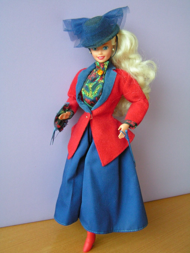 DOLLS OF THE WORLD Pict4415