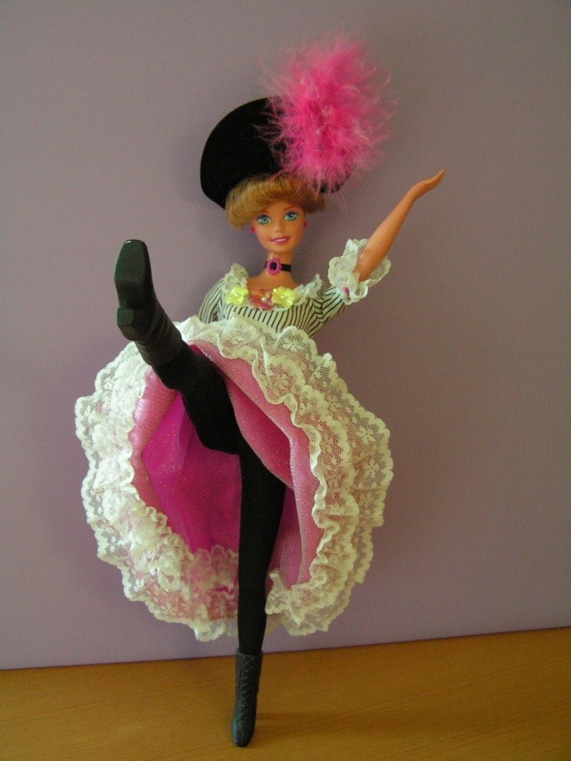 DOLLS OF THE WORLD Pict4416