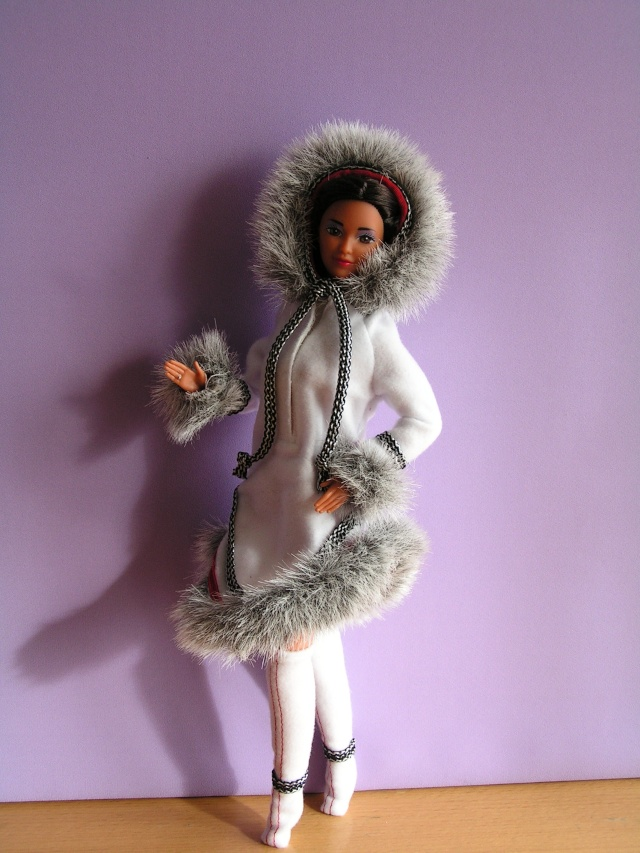 DOLLS OF THE WORLD Pict4816
