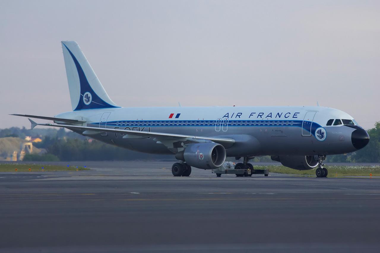 [F-GFKJ] A320 RetroJet Air France Jp0r1122