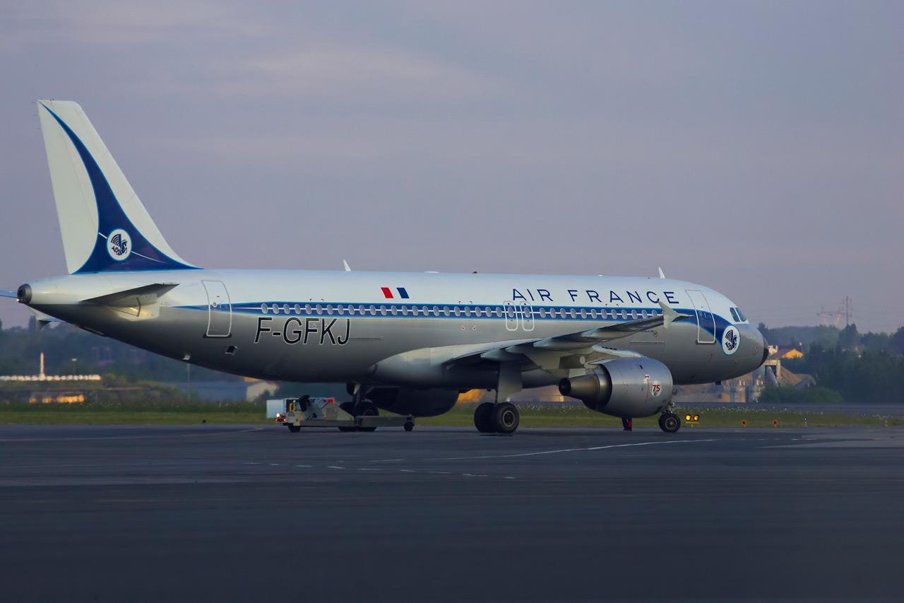 [F-GFKJ] A320 RetroJet Air France Jp0r1123