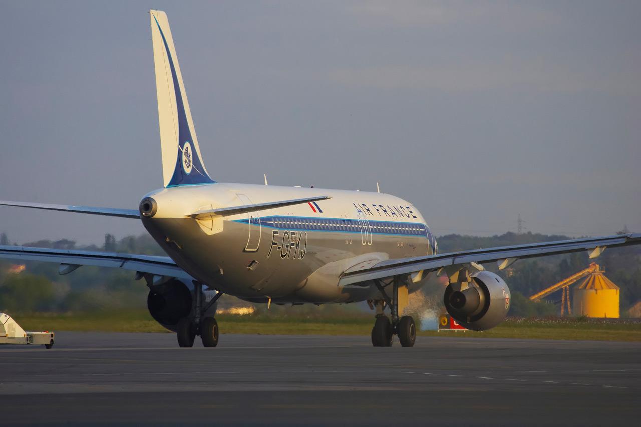 [F-GFKJ] A320 RetroJet Air France Jp0r1132
